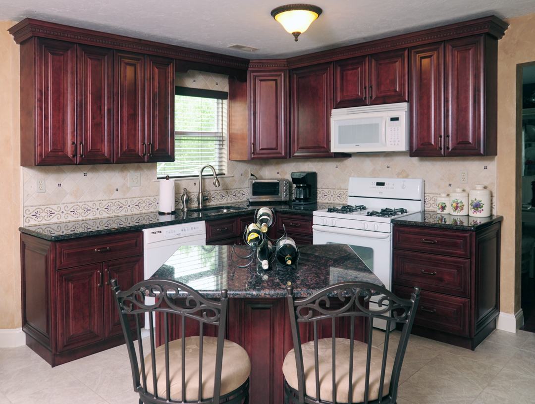 Mahogany maple kitchen cabinates photos pictures for Cabinetry kitchen cabinets